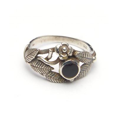 Ringen met natuursteen